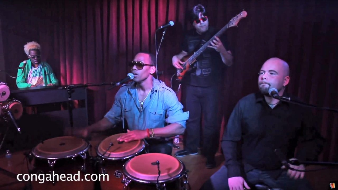 """Pedro """"Pedrito"""" Martinez performs Cuenta Con Los Santos"""