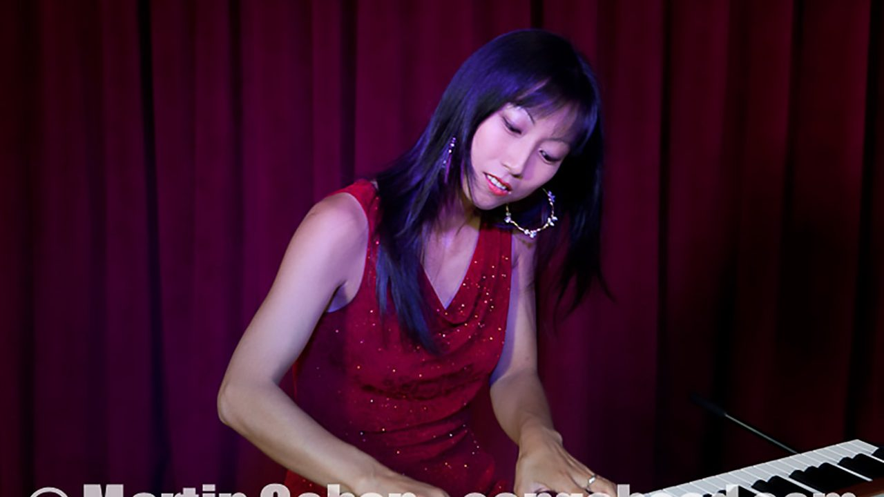 Miho Nobuzane video session